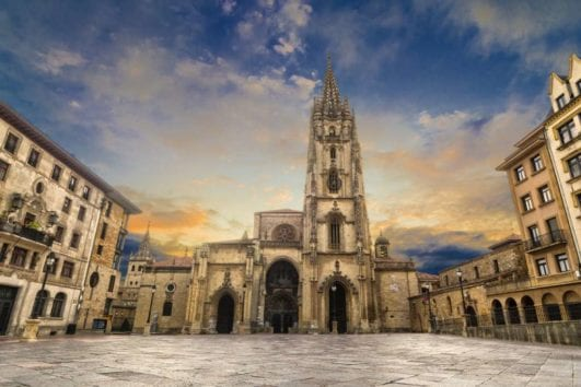 Oviedo es la capital de Asturias
