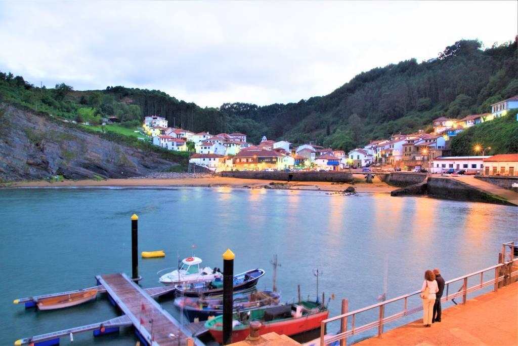 El pueblo marinero de Tazones, Asturias