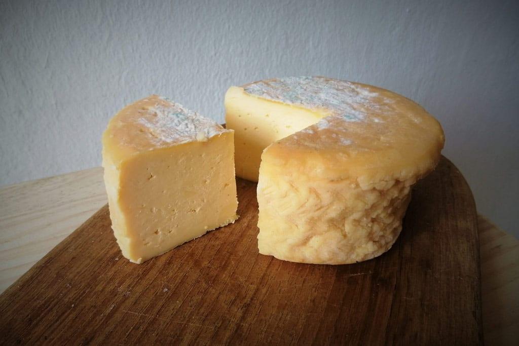 Queso de Genestoso, un queso con un único productor