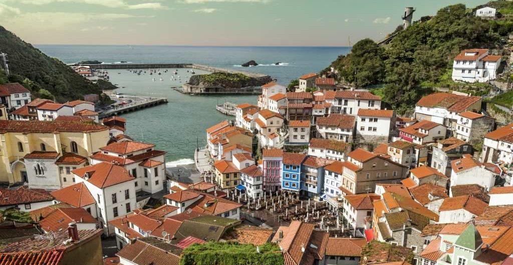 Cudillero, uno de los pueblos costeros más bonitos de Asturias
