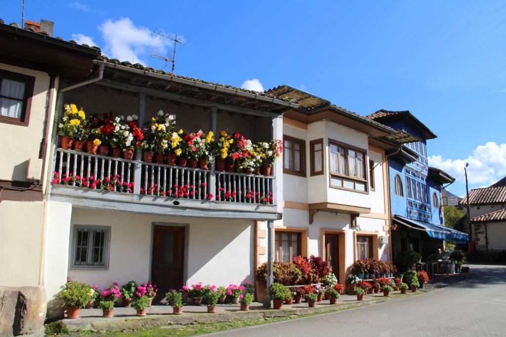 El pueblo asturiano de Espinareu o Espinaredo en el concejo de Piloña