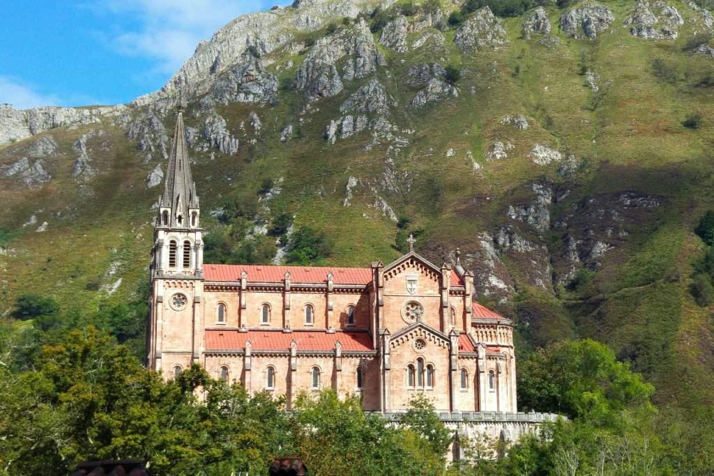 Basílica de Covadonga en Cangas de Onís