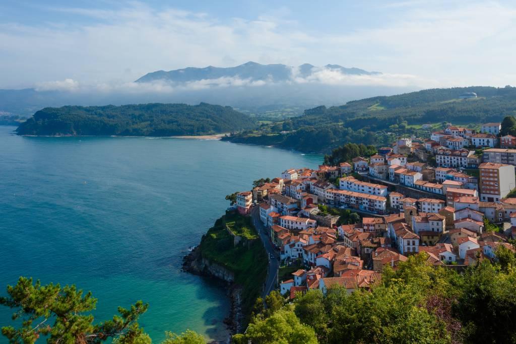El precioso pueblo costero de Lastres, en Colunga, Asturias.