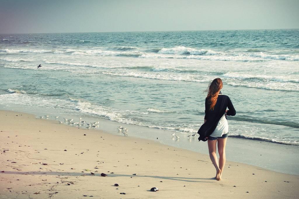 Viajes para descansar caminando por playas y rutas de la costa asturiana
